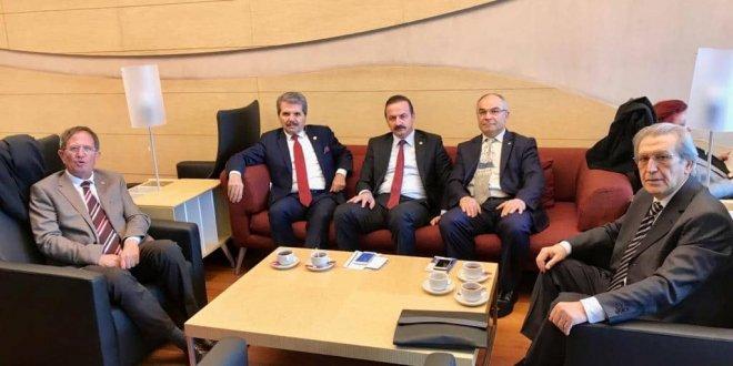 İYİ Parti Rahim Cavadbeyli'yi ziyaret etti