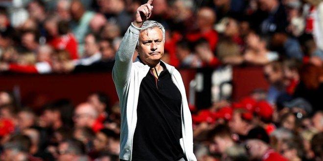 """Mourinho, Manchester United'ı harap etti"""