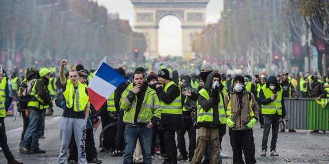 Fransa hükümeti zamları geri aldı