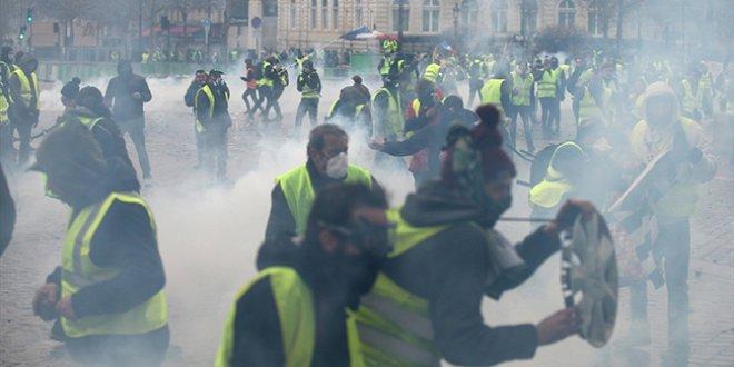 Fransa hükümetinden protestolar sonrası yeni hamle