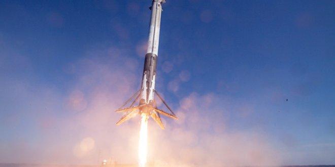 Falcon 9 iniş yaparken düştü