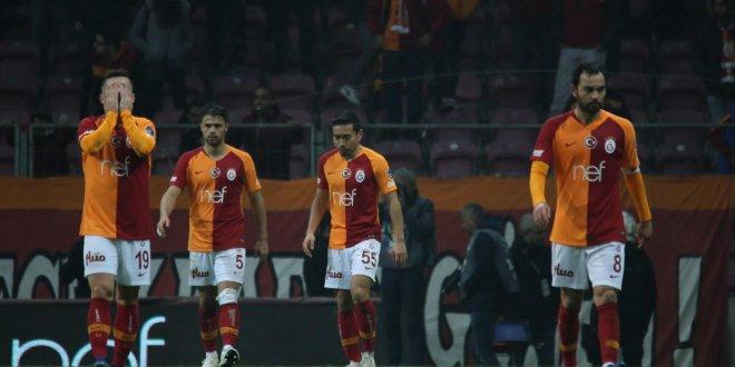 Galatasaray, ikici yarılarda kalesini gole kapatamıyor