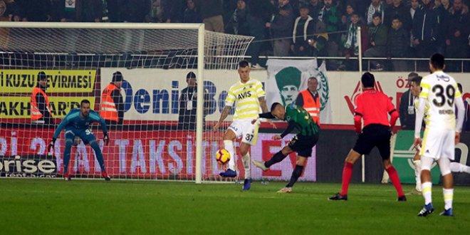 Fenerbahçe'de savunma hataları çıldırttı