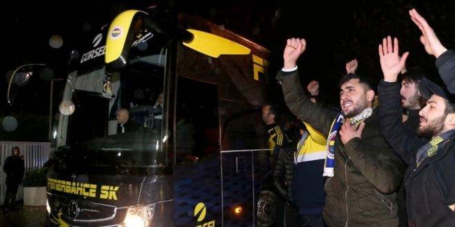 Fenerbahçe'ye tepkili karşılama