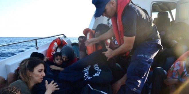 İzmir'de 44 düzensiz göçmen yakalandı