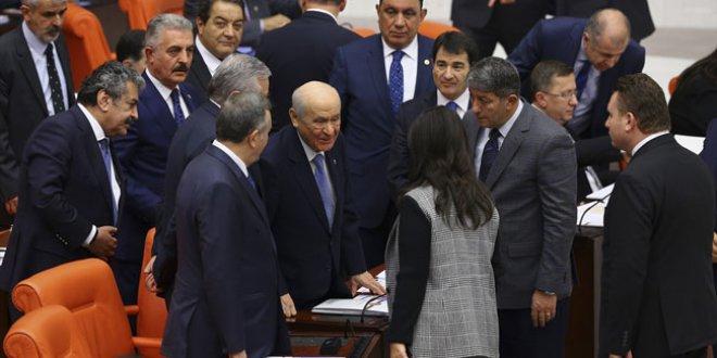 Devlet Bahçeli-Pervin Buldan samimiyetine İYİ Parti'den tepki