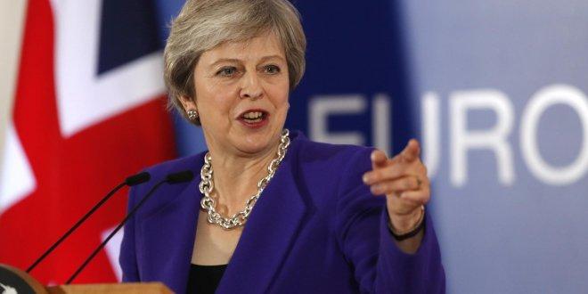 Theresa May için güven oylaması!
