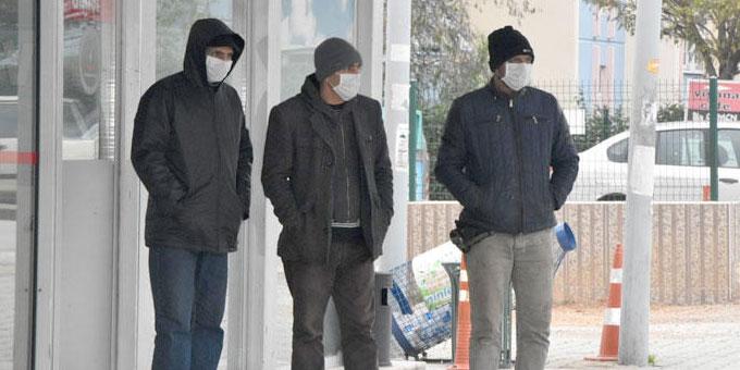 Kimya fabrikasında zehirlenme: 4 kişi hastaneye kaldırıldı