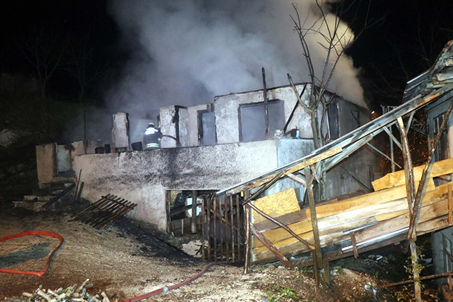Düzce'de yangın faciası: 3 çocuk hayatını kaybetti