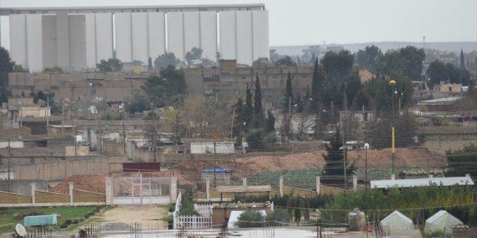 YPG/PKK Türkiye sınırına yakın bölgelerde barikat oluşturuldu