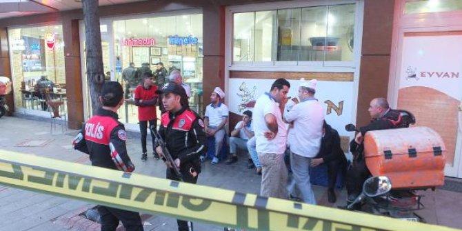 Pendik'te bir kebapçıda silahlı saldırı: 1 ölü 2 yaralı