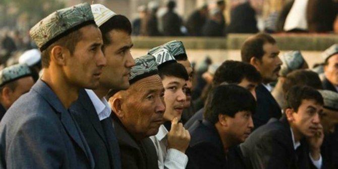 Uygur Türklerinin mezar taşlarına 'Çince yazı' zorunluluğu
