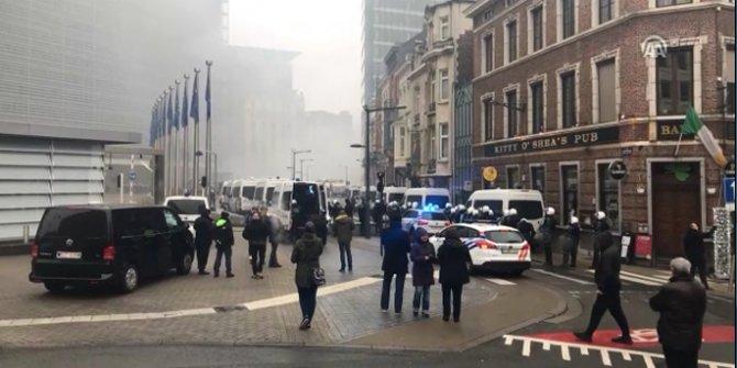 Belçika karıştı! Polisten göstericilere müdahale