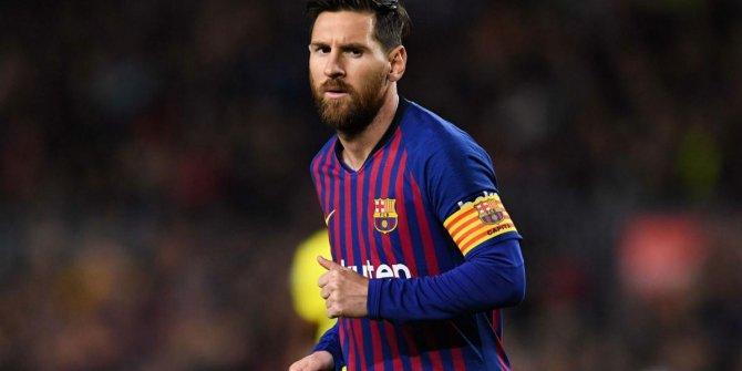 Messi, rekorlara doymuyor