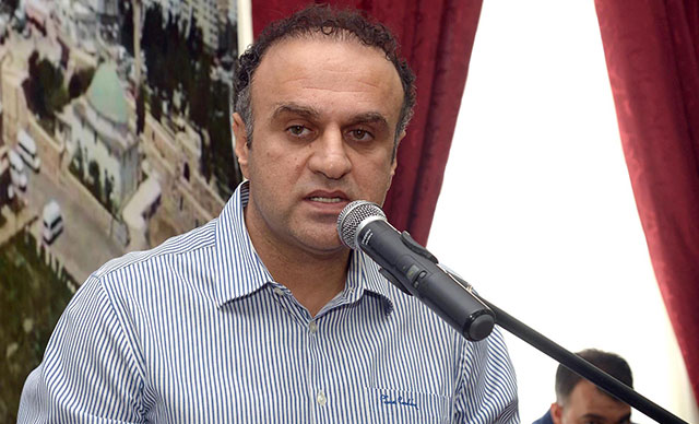 Karataş Belediye Başkanı Ünal, makam aracıyla yaptığı kazada yaralandı