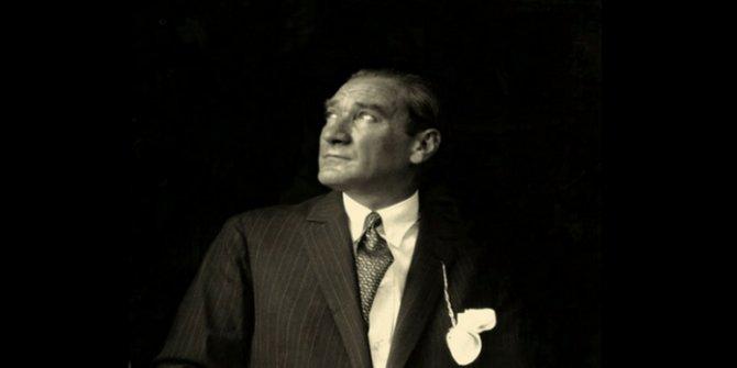 Canlı yayında Atatürk'e küfretti, gelen tepkiler üzerine özür diledi