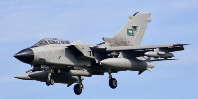 Suudi Arabistan jetleri Yemen'i bombalıyor