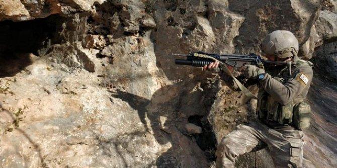 PKK'lı teröristlerin 6 sığınağı imha edildi!