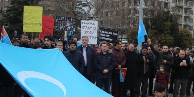 Çin'in Doğu Türkistan'daki zulmüne tepki