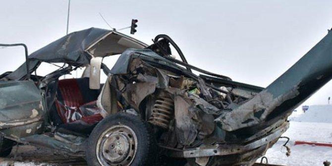 Kars'ta feci kaza: 1 ölü, 3 yaralı