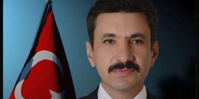 AKP'li aday Bozdağ ve Özhaseki'ye yüklendi