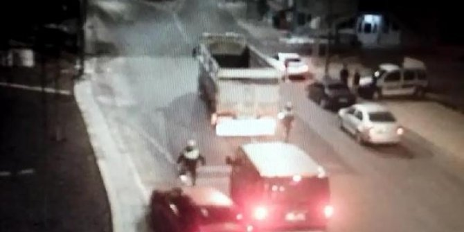 Alkollü sürücü polise çarptı