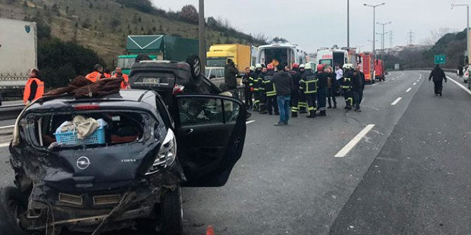 TEM'de kaza; İstanbul yönü ulaşıma kapandı
