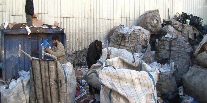 Esnaf Suriyeli ve Afgan kağıt toplayıcılarından rahatsız