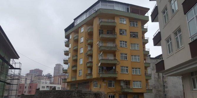 Çökme tehlikesi olan bina boşaltıldı