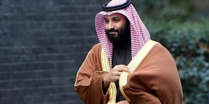 Prens Selman Kabe'nin çatısına çıktı