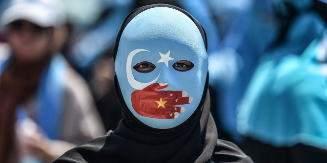 Çin devleti Türklere zulümde sınır tanımıyor!