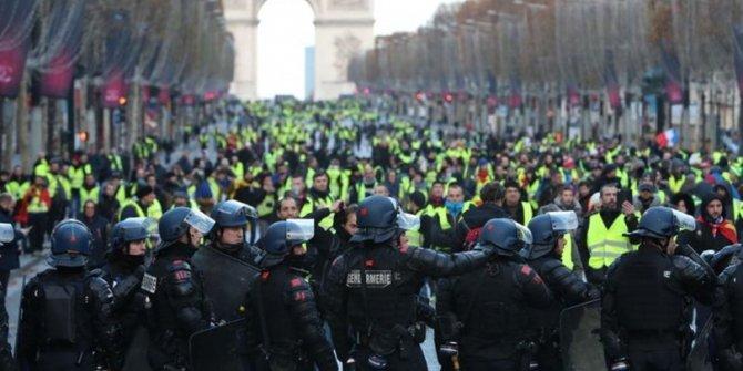 Fransa'da protestolar sürüyor