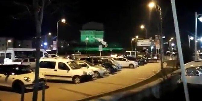 AKP'li belediye, CHP'li adayın afişlerini söktü