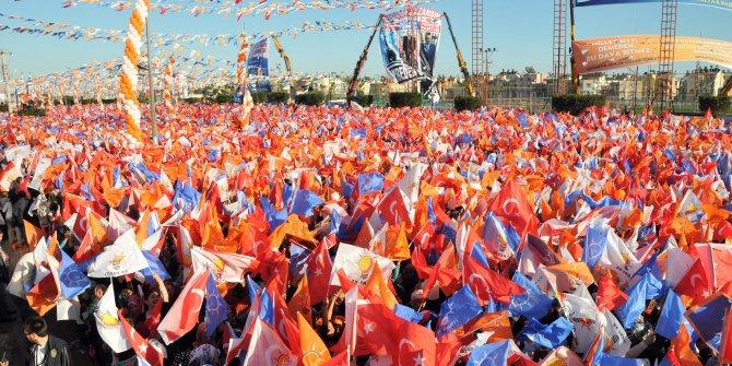 """Son anketlerden çarpıcı sonuç: AKP seçmeni ilk kez """"CHP'ye oy vereceğim"""" diyor"""