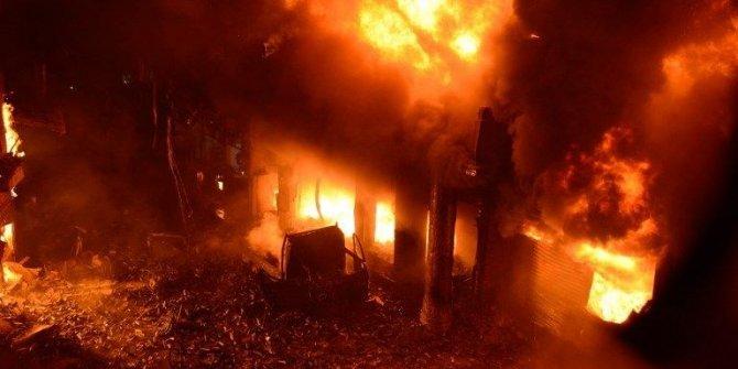 Bangladeş'te tarihi bölgede yangın: 70 ölü