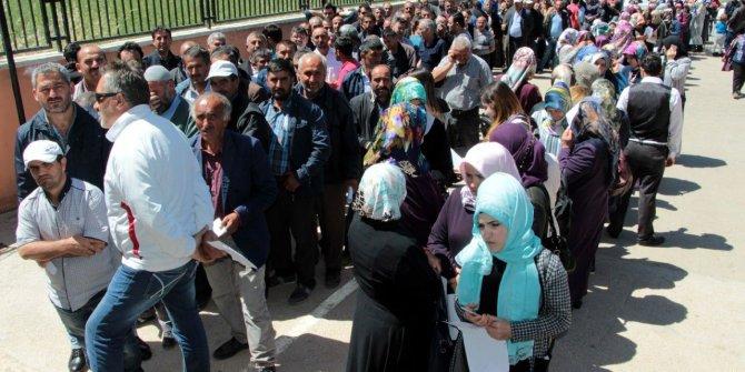 """Ömer Fethi Gürer: """"Oy avcılığı için geçici işçi alıyorlar"""""""