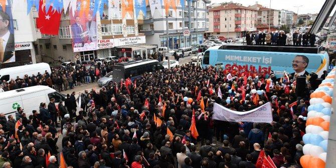 """""""Özhaseki'nin seçim otobüsleri devlet kurumunda giydiriliyor"""""""