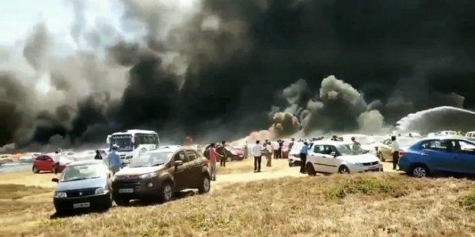 Hindistan'da 300 araç yandı