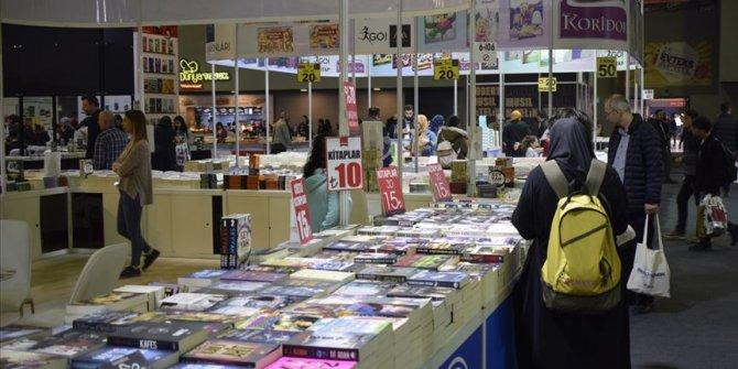 CNR 6. Uluslararası Kitap Fuarı kapılarını açtı.