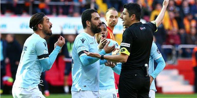 Arda Turan'a Kayseri'de tepki!