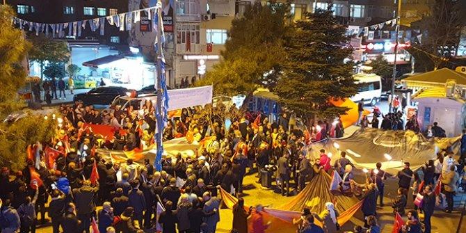İYİ Parti'den Çanakkale Zaferi için fener alayı