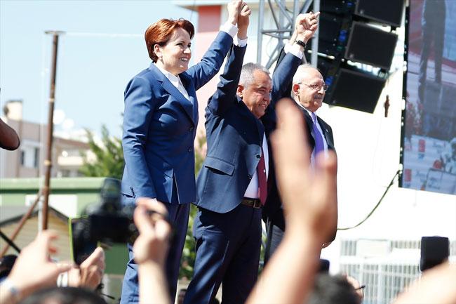 """Akşener: """"Bir Cumhurbaşkanı belediye başkan adayını tehdit edebilir mi?"""""""