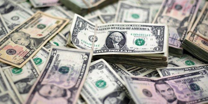 Vatandaş dolar almaya devam ediyor