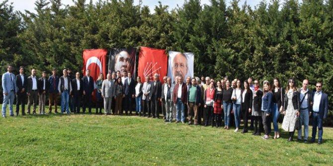 İzmir'de CHP'ye 500 yeni üye