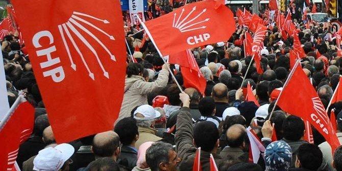 CHP'nin bayrakları çalındı!