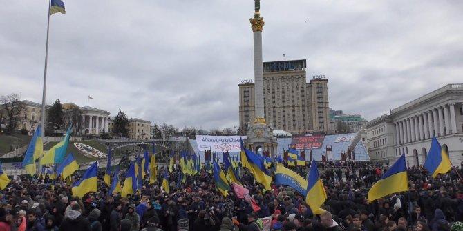 Ukrayna'da Poroşenko'ya 'yolsuzluk' protestosu