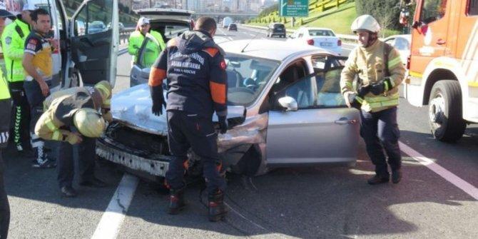 Ümraniye TEM'de trafik kazası!