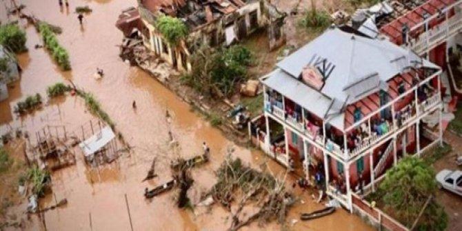 Kasırgasında ölenlerin sayısı 700'ü geçti