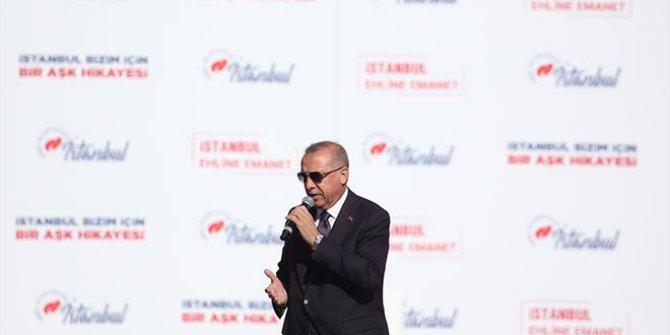 Cumhurbaşkanı Erdoğan, makam aracını yapan firmanın reklamını yaptı