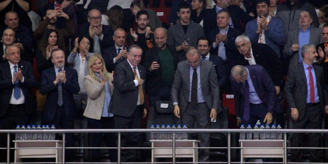 Galatasaray taraftarından Mustafa Cengiz'e destek